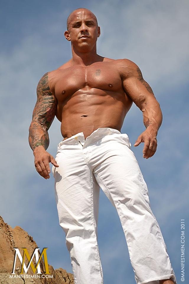 Vin Marco at Manifest Men Naked Gay BodyBuilder Download Full Movie torrents 01 - Vin Marco - Naked Bodybuilder