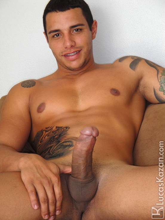 24 year old Coyote with a body a dick and a mind built for sex at Lucas Kazan 02 Ripped Muscle Bodybuilder Strips Naked and Strokes His Big Hard Cock photo image1 - 24 year old Coyote with a body a dick and a mind built for sex at Lucas Kazan