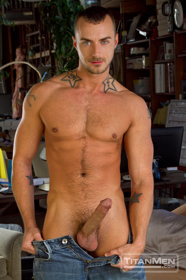 Tattoed Jessie Colter and muscle stud Jessy Ares 01 Ripped Muscle Bodybuilder Strips Naked and Strokes His Big Hard Cock torrent photo1 - Tattooed Jessie Colter and muscle stud Jessy Ares