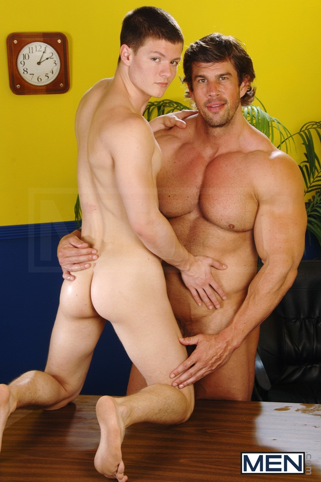 Massive muscle hunk Zeb Atlas fucks the ass of hot twink Tyler Sweet 01 Ripped Muscle Bodybuilder Strips Naked and Strokes His Big Hard Cock torrent photo1 - Massive muscle hunk Zeb Atlas fucks the ass of hot twink Tyler Sweet