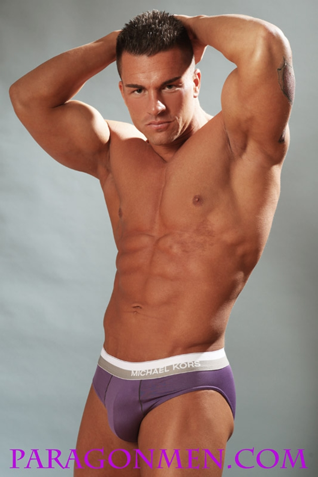 Gay-porn-pics-02-Muscled-sex-bodybuilder-Braden-Charron-Paragon-Men-all-american-boy-naked-muscle-men-nude-bodybuilder-photo