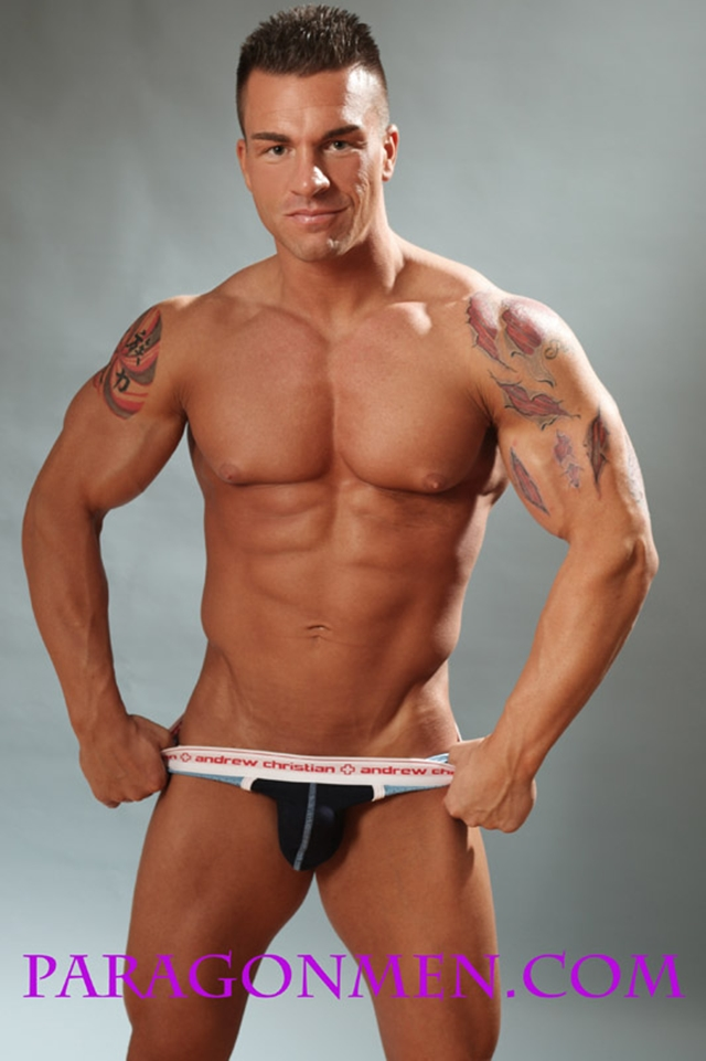 Gay-porn-pics-08-Muscled-sex-bodybuilder-Braden-Charron-Paragon-Men-all-american-boy-naked-muscle-men-nude-bodybuilder-photo