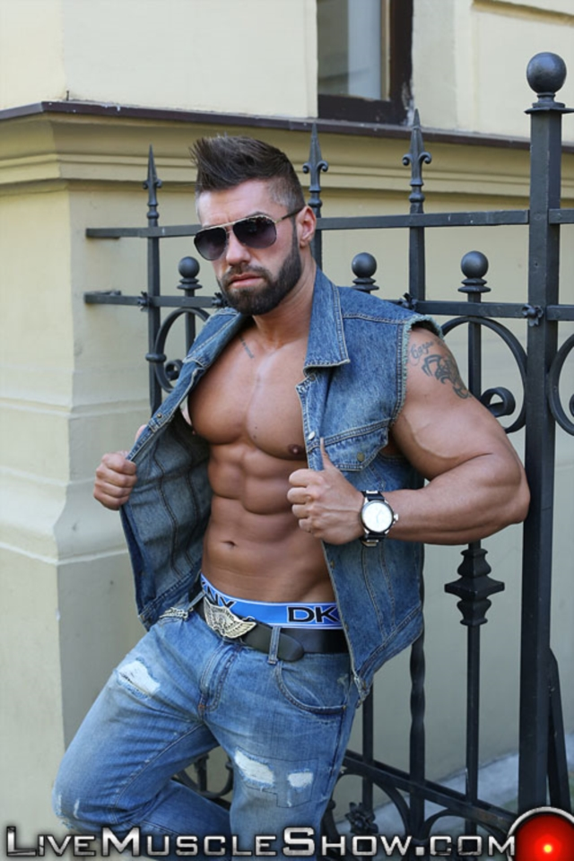 Lucas Diangelo Live Muscle Show Gay Naked Bodybuilder nude bodybuilders gay muscles muscled gay sex photo01 gallery video photo - Lucas Diangelo