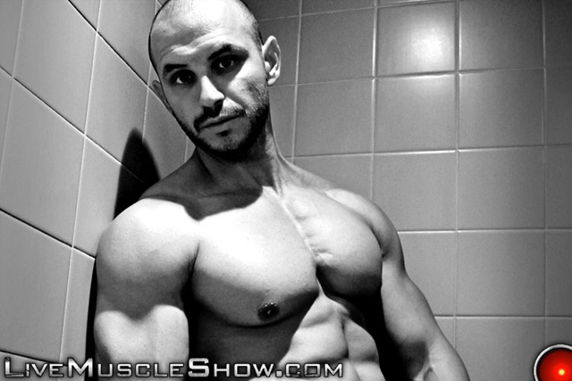 Live Muscle Show Tyron dominant muscle hunk men power masculinity Tyron man wrestling weight lifting 001 male tube red tube gallery photo - Tyron