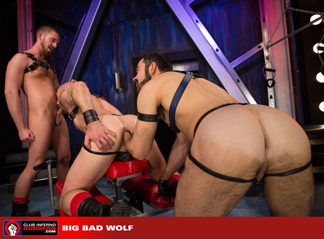 Club-Inferno-Drew-Sebastian-rides-giant-bullet-shaped-butt-plug-Jordan-Foster-fist-ass-fucks-010-male-tube-red-tube-gallery-photo