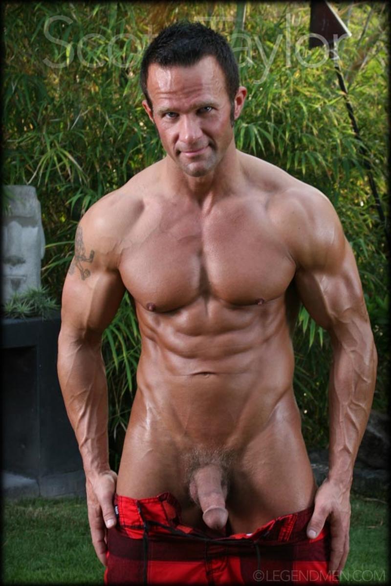 LegendMen-big-muscled-body-Scott-Taylor-flexes-biceps-naked-men-hard-erect-muscle-dick-ball-sack-piercing-004-nude-men-tube-redtube-gallery-photo