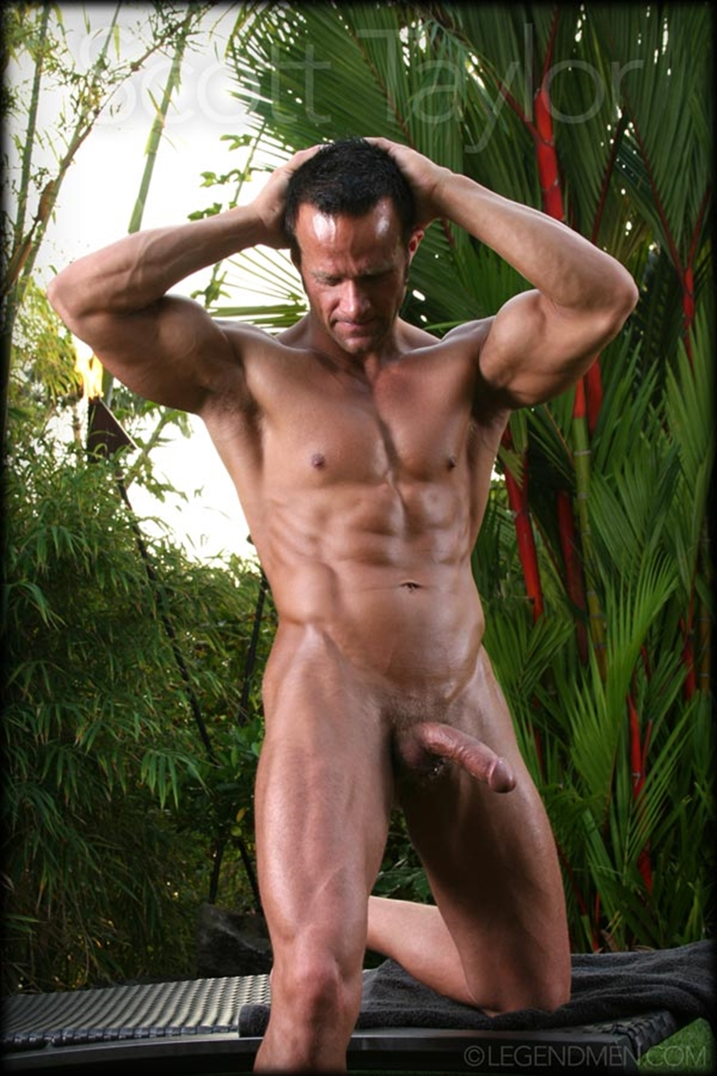 LegendMen-big-muscled-body-Scott-Taylor-flexes-biceps-naked-men-hard-erect-muscle-dick-ball-sack-piercing-008-nude-men-tube-redtube-gallery-photo