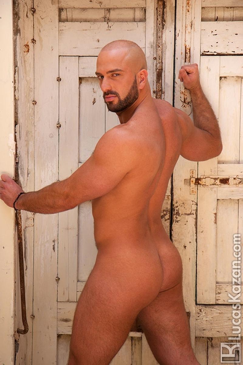 LucasKazan-Italian-newcomer-Bruno-Boni-winner-Rome-Ettore-ITALIANS-OTHER-STRANGERS-chiseled-body-bedroom-eyes-003-tube-download-torrent-gallery-photo