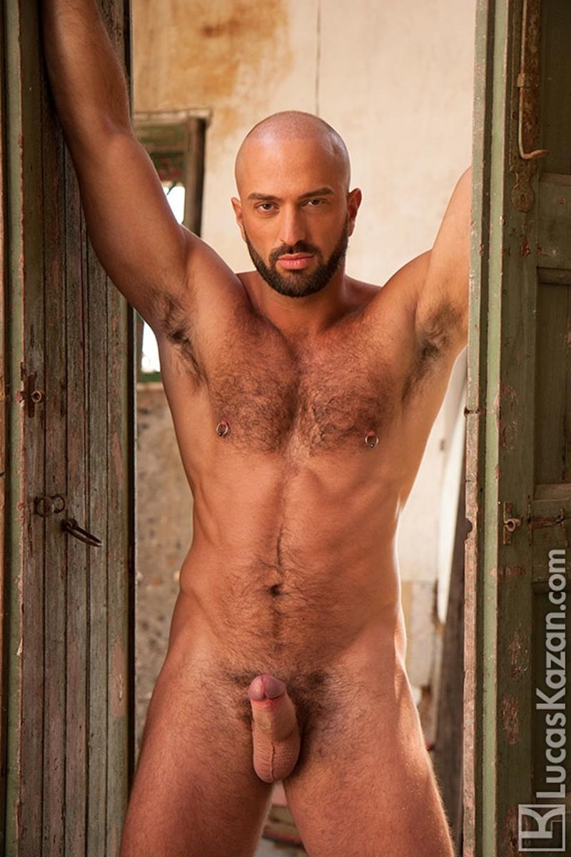 LucasKazan-Italian-newcomer-Bruno-Boni-winner-Rome-Ettore-ITALIANS-OTHER-STRANGERS-chiseled-body-bedroom-eyes-011-tube-download-torrent-gallery-photo