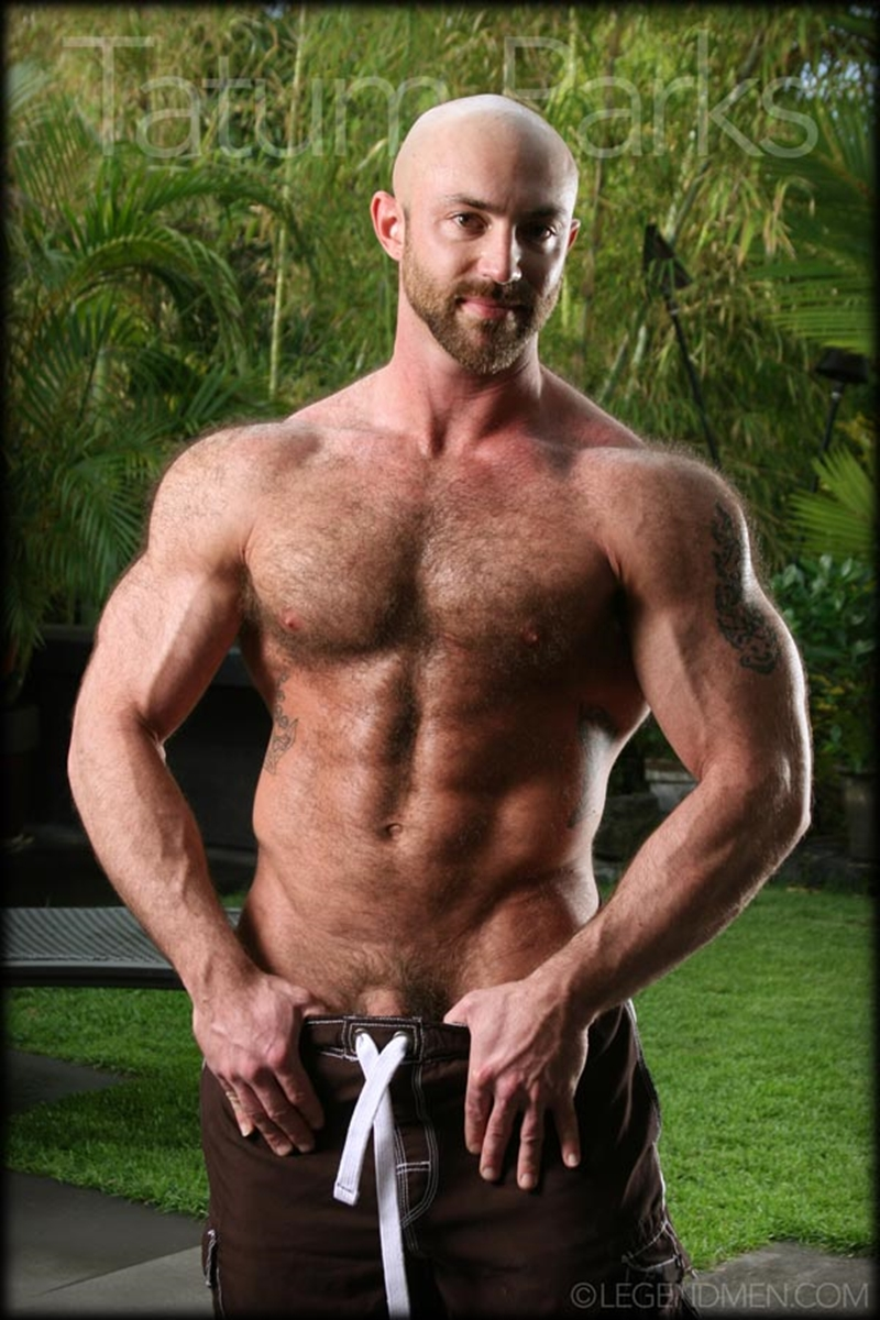 LegendMen big muscle naked bodybuilder Tatum Parks muscle men hairy chested v shaped ripped abs fucker top man huge muscle dick 001 gay porn video porno nude movies pics porn star sex photo - Hairy big muscle bodybuilder Tatum Parks jerks out a huge cum load