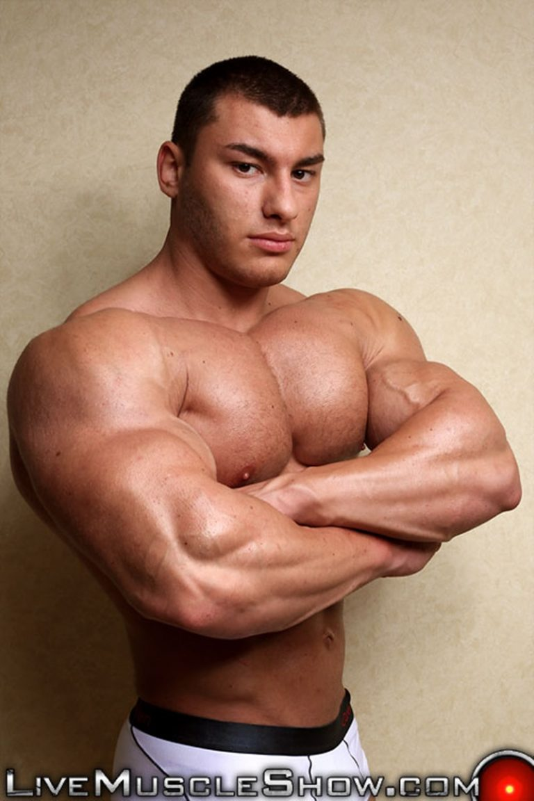 LiveMuscleShow naked big muscle boy bodybuilder 20 year old Lev Danovitz young muscled hunk huge abs pecs lats massive arms long thick cock 002 gay porn sex porno video pics gallery photo 768x1152 - 20 year old big muscle boy Lev Danovitz shows off his huge muscled body