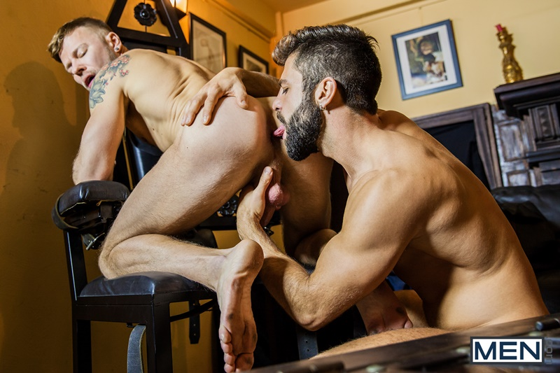 Men com naked young muscle dudes Matt Anders Hector de Silva hardcore ass fucking anal rimming horny gay big thick dick sucking cocksucker 001 gay porn sex gallery pics video photo - Matt Anders' tight muscled asshole fucked hard by Hector De Silva's huge dick