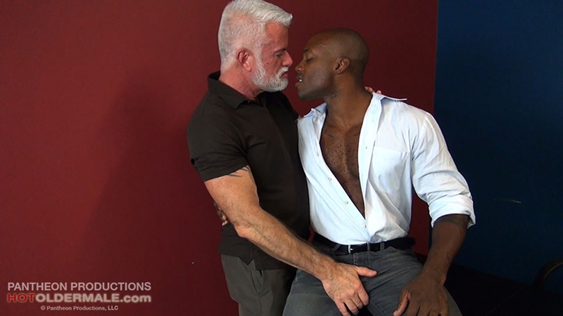Hotoldermale sexy black naked muscle stud Osiris Blade 11 inch ebony dick breeds older daddy Jake Marshall mature asshole 002 gay porn sex gallery pics video photo - Hot Older Male sexy black muscle stud Osiris Blade breeds daddy Jake Marshall's mature asshole