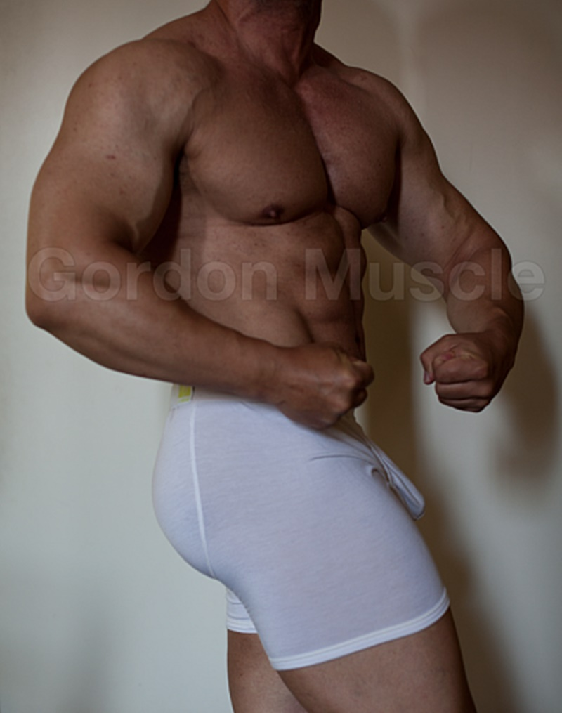 JockMenLive nude big muscle hunks Gordon Muscle jerking sweating posing pouch huge dick crotch bulge cumshot flexin muscled 001 gay porn sex gallery pics video photo - Jock Men Live Gordon Muscle masturbating and flexing his big muscle body