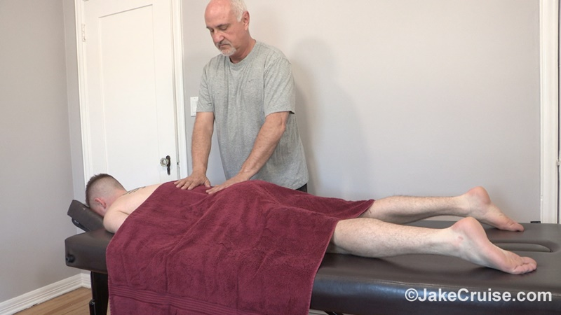 JakeCruise sexy older mature gay male Jake Cruise sucks blowjob Kyler Ash big rock hard cock young sexy naked dude happy ending 002 gay porn sex gallery pics video photo - Jake Cruise services Kyler Ash big rock hard cock