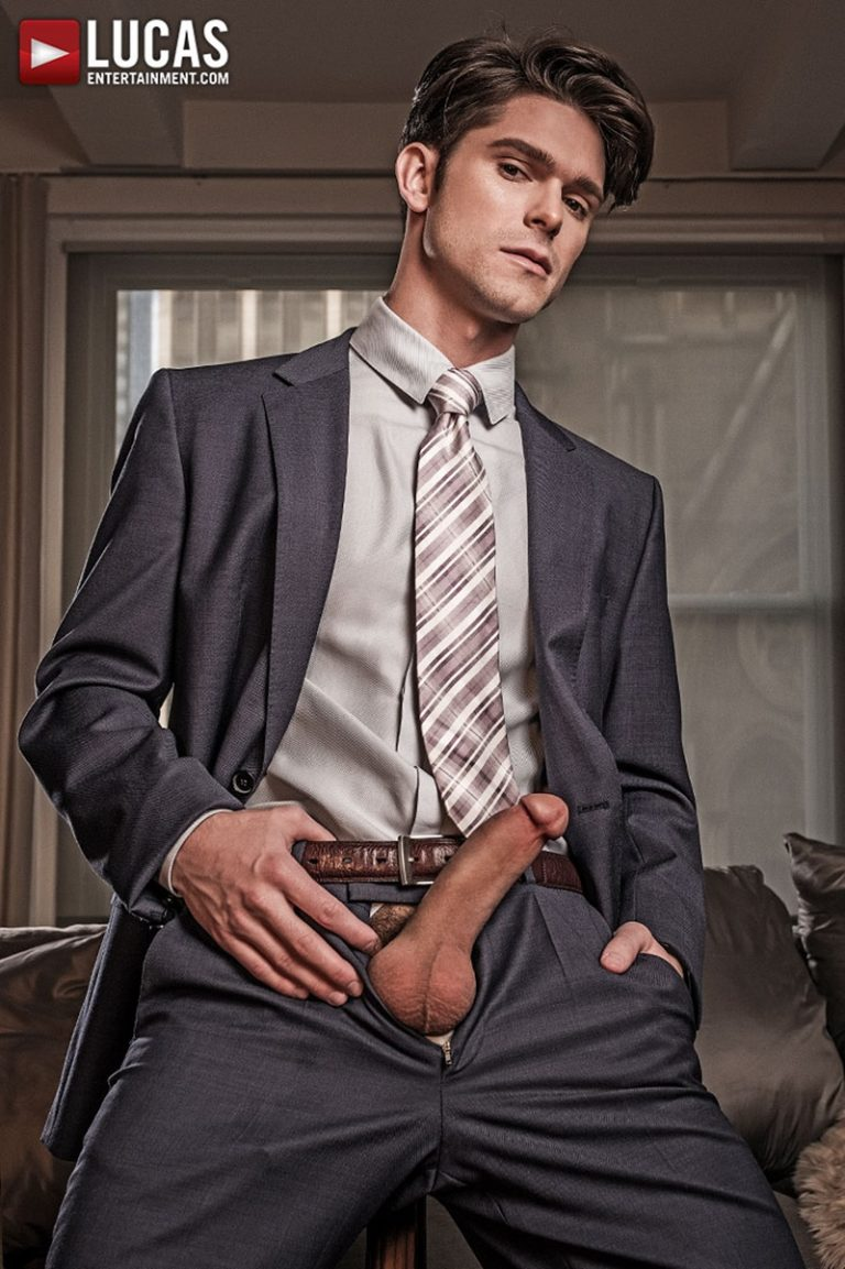 LucasEntertainment GENTLEMEN 19 HARD AT WORK Devin Franco Lee Santino flip fuck office suits sex double ended dildo anal fucking 002 gay porn sex gallery pics video photo 768x1153 - GENTLEMEN 19: HARD AT WORK  Devin Franco and Lee Santino flip-fuck in suits