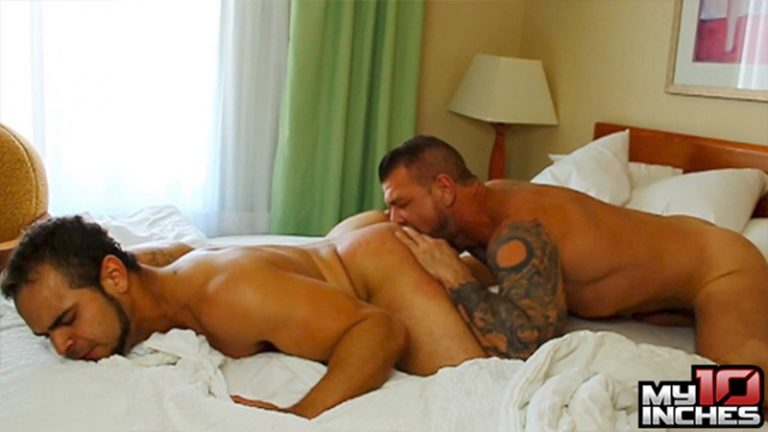 My10TenInches gay porn star nude dude sex pics Brock Avery Rocco Steele monster 10 inch cock butt fucking anal rimming 002 gay porn sex gallery pics video photo 768x432 - Brock Avery screams like never has before as Rocco Steele works his monster 10 inch cock inside his butt