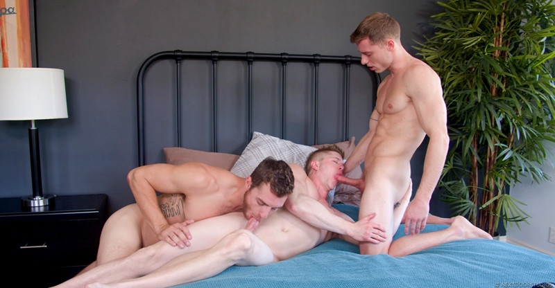 Carter Woods Justin Matthews suck fuck straight dude Chris Blades hot hole NextDoorBuddies 001 gay porn pics - Chris Blades, Carter Woods, Justin Matthews