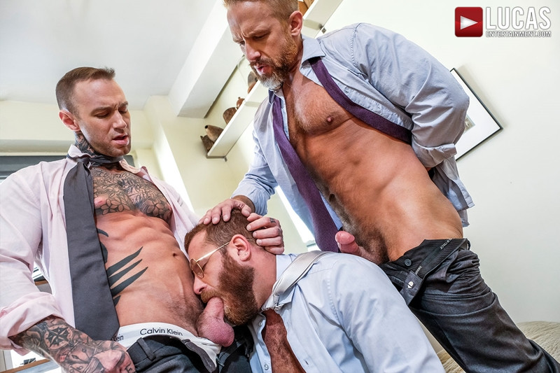LucasEntertainment Hardcore muscle fucking threesome Dylan James Dirk Caber Riley Mitchel 001 Gay Porn Pics - Dylan James, Dirk Caber, Riley Mitchel