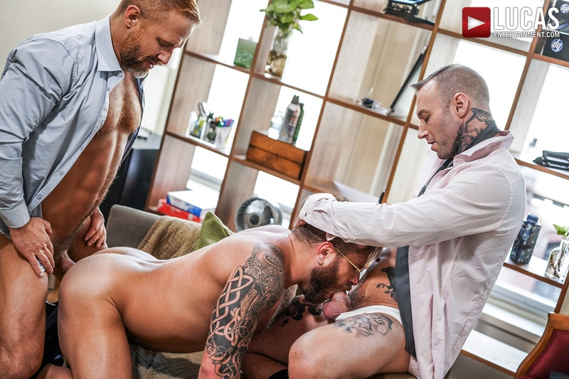 LucasEntertainment Hardcore muscle fucking threesome Dylan James Dirk Caber Riley Mitchel 011 Gay Porn Pics - Dylan James, Dirk Caber, Riley Mitchel