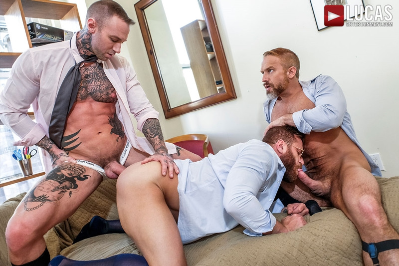 LucasEntertainment Hardcore muscle fucking threesome Dylan James Dirk Caber Riley Mitchel 016 Gay Porn Pics - Dylan James, Dirk Caber, Riley Mitchel