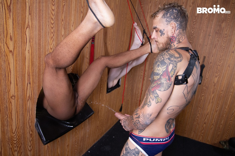 Trent King Bo Sinn hardcore ass fucking Bromo 002 Gay Porn Pics - Bo Sinn, Trent King